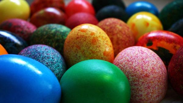 Як фарбувати яйця на Великдень паперовими серветками: способи, фото