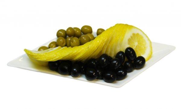 Маслини і оливки - в чому різниця, міфи і факти