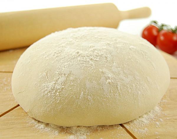 Смачне тісто для піци швидко і просто: рецепти з фото