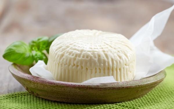 Сир з сиру в домашніх умовах: рецепти виготовлення