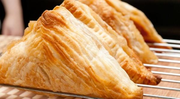 Що можна зробити з листкового тіста швидко і смачно: рецепти