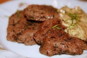 Готуємо страви з яловичої печінки: дієтичні рецепти