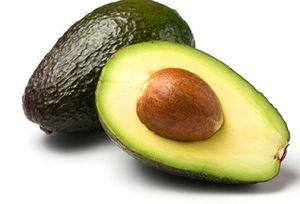 Як їдять авокадо: кісточка і шкірка фрукта