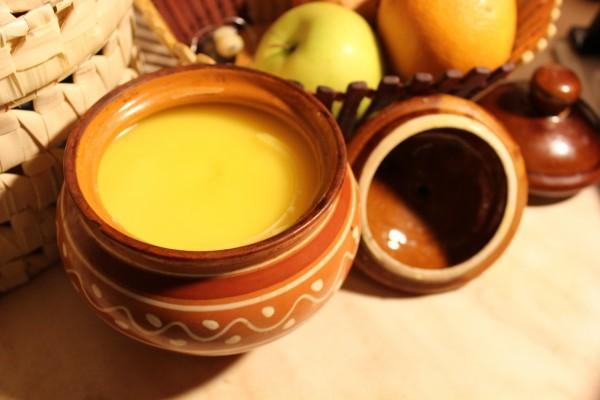 Топлене масло в домашніх умовах: користь, рецепти, зберігання