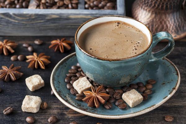 Скільки калорій в каву з цукром і без, з молоком, 3 в 1