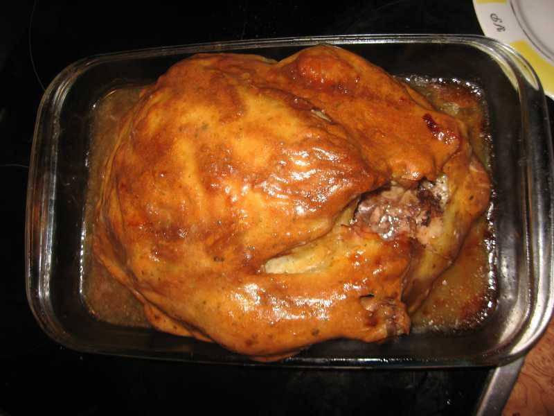 Курка в тесті в духовці: рецепти запікання м'яса з фото