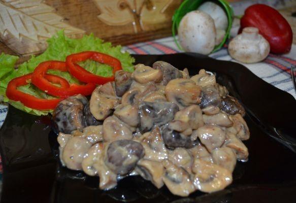 Курячі сердечка з грибами: в сметані, у вершках, з цибулею