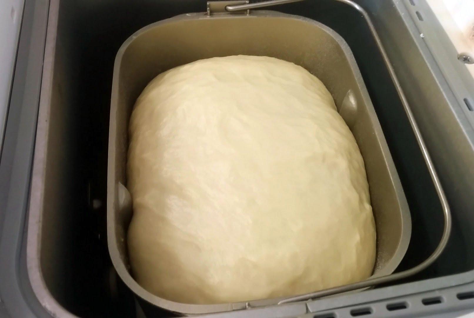 Здобне тісто в хлібопічці: класичний рецепт, на дріжджах
