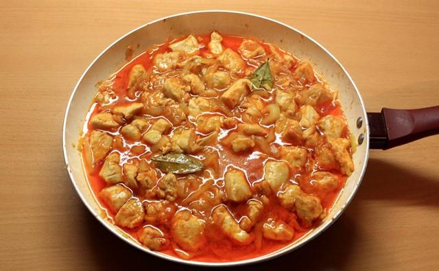 Куряче філе в томатному соусі: рецепти з фото, калорійність