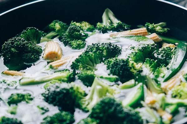 Курячий суп з брокколі (з локшиною, рисом): рецепти з фото