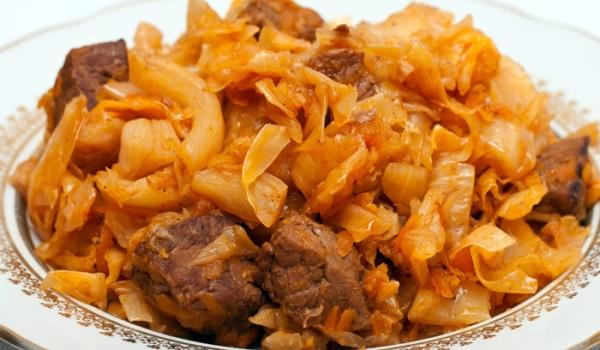 Тушкована капуста з яловичиною: рецепти з фото, калорійність