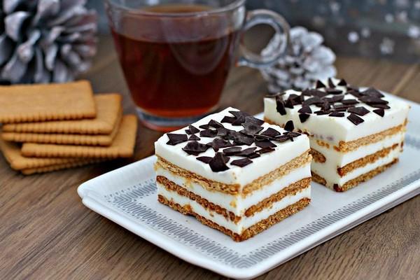 Торт і крем з йогурту: смачні покрокові рецепти з фото