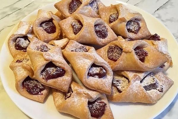 Листкове тісто з варенням (печиво, пиріжки): рецепти з фото
