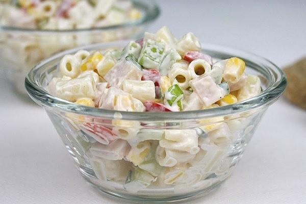 Салат з макаронами (з шинкою, з тунцем): рецепти з фото
