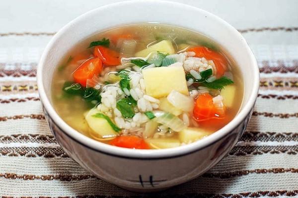 Суп з м'ясом і картоплею (рисовий, гороховий): рецепти з фото