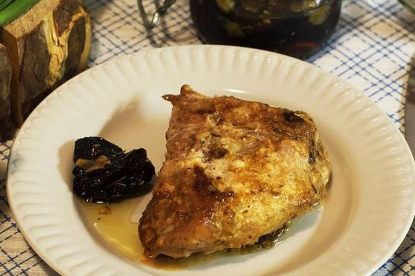 Курячі стегна на сковороді (тушковані, смажені): рецепти з фото