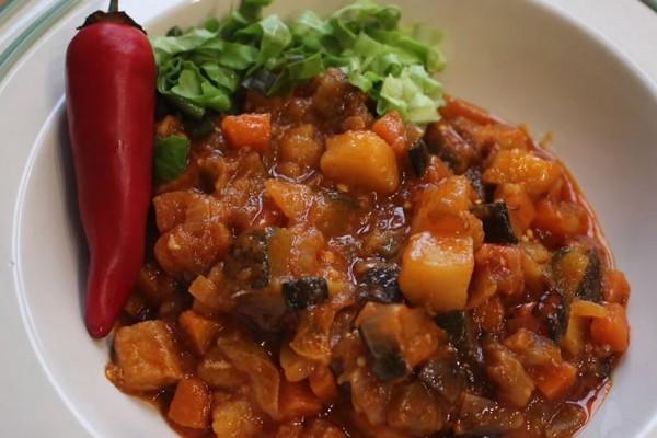 Овочеве рагу з м'ясом: з картоплею, з капустою, в мультиварці