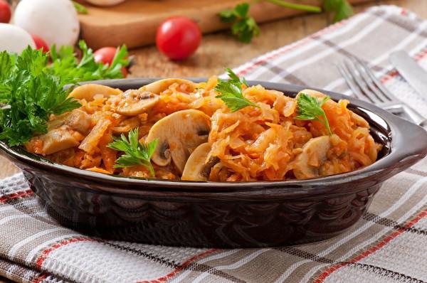 Солянка з грибами і капустою: покрокові рецепти з фото