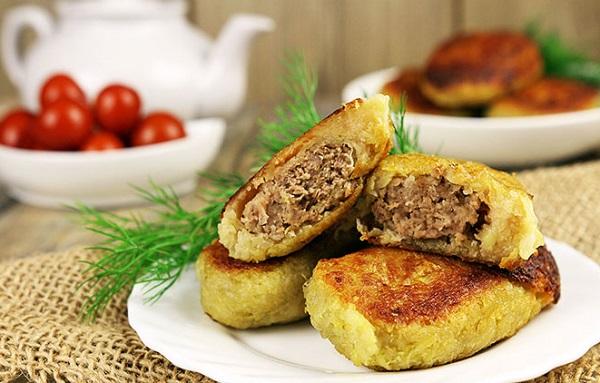Чаклуни з м'ясом з картоплі: покроковий рецепт з фото