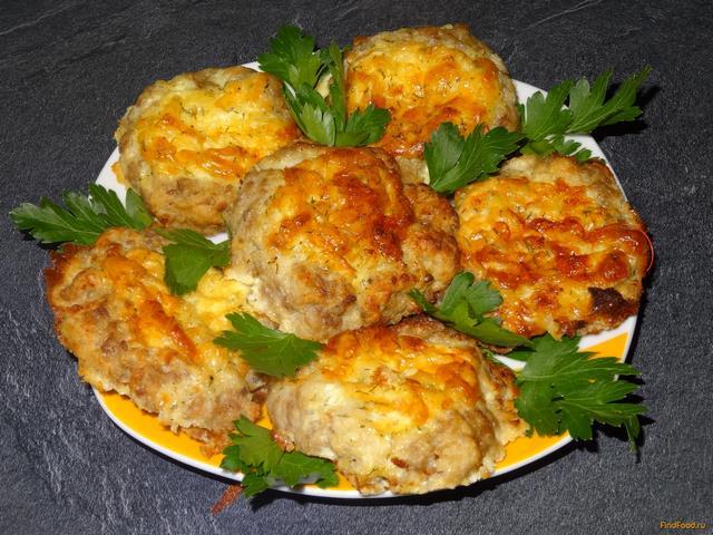 Котлети «Ластівчине гніздо» (з яйцем, в духовці): рецепти