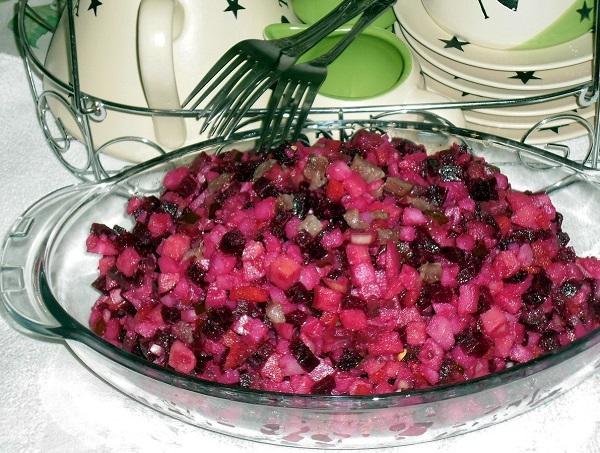 Вінегрет з оселедцем (овочевий, з яблуками): рецепти з фото