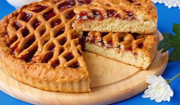Пиріг з повидлом з дріжджового тіста: відкритий, закритий