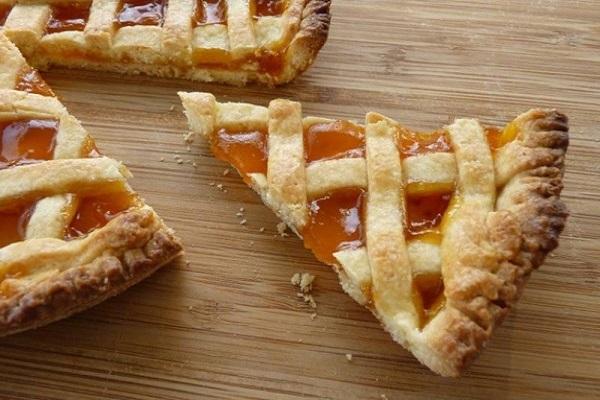 Пиріг з яблучним повидлом: домашні рецепти з фото покроково