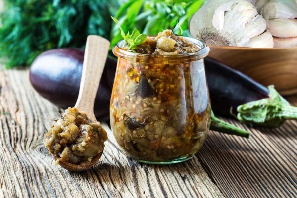 Мариновані баклажани швидкого приготування: рецепти з фото