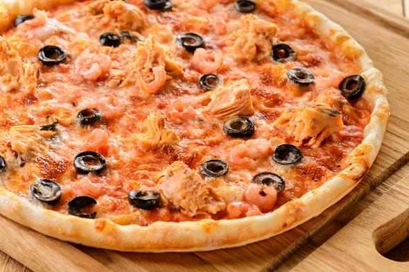 Піца з тунцем по-італійськи: покрокові рецепти з фото