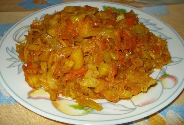 Тушкована капуста з кабачками: рецепти з помідорами, квасолею