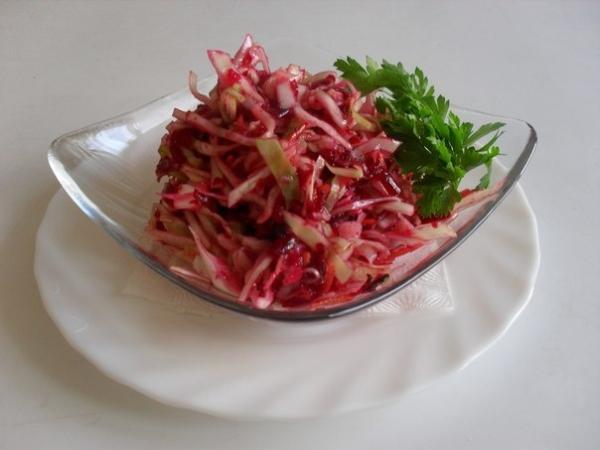 Салат з буряка з яблуком: рецепти з чорносливом, горіхами