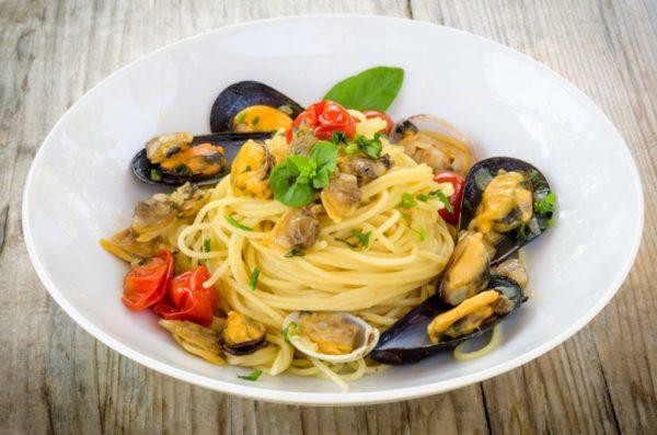 Спагетті з мідіями: як правильно готувати, рецепт соусу