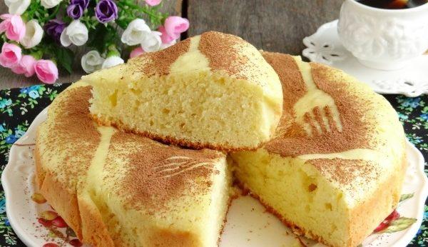 Пишний бісквіт на сковороді на плиті: прості рецепти з фото