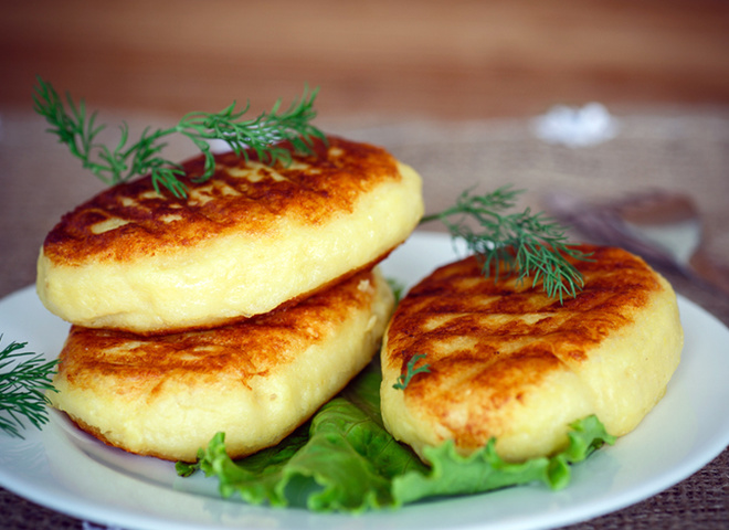 Картопляне тісто для пиріжків (з пюре, на відварі): рецепти
