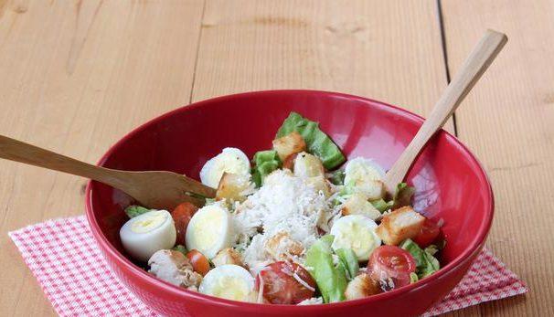 Дієтичний салат з куркою: рецепти з фото, калорійність