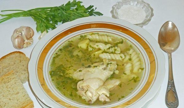 Суп з курячих крилець (з рисом, з вермішеллю): рецепти