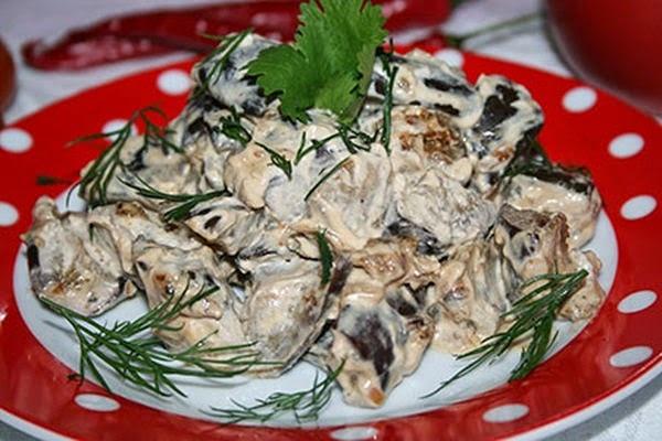 Баклажани в сметані (з часником, гриби): рецепти з фото