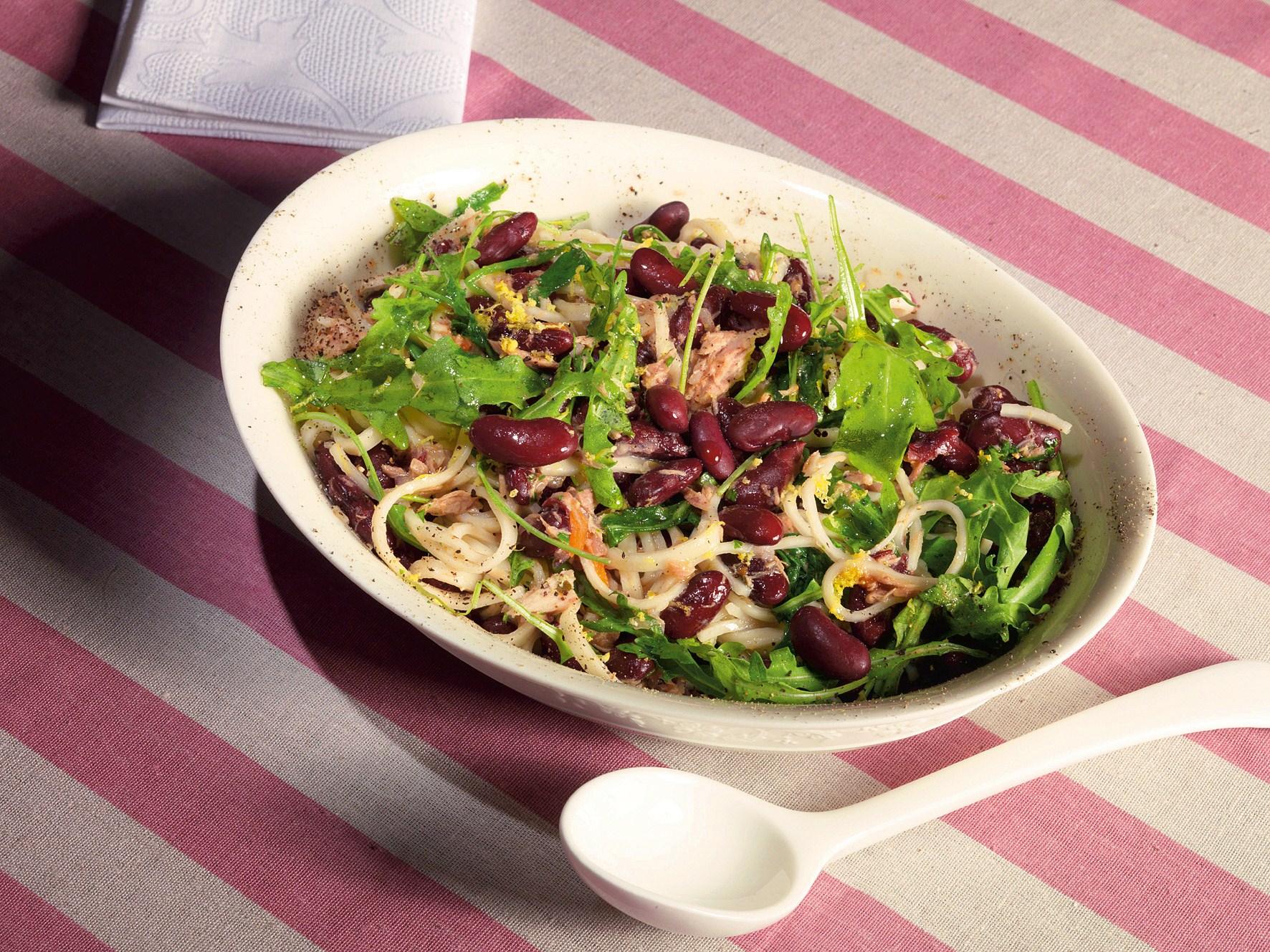 Салат з тунцем і квасолею (звичайної, стручкової): рецепти