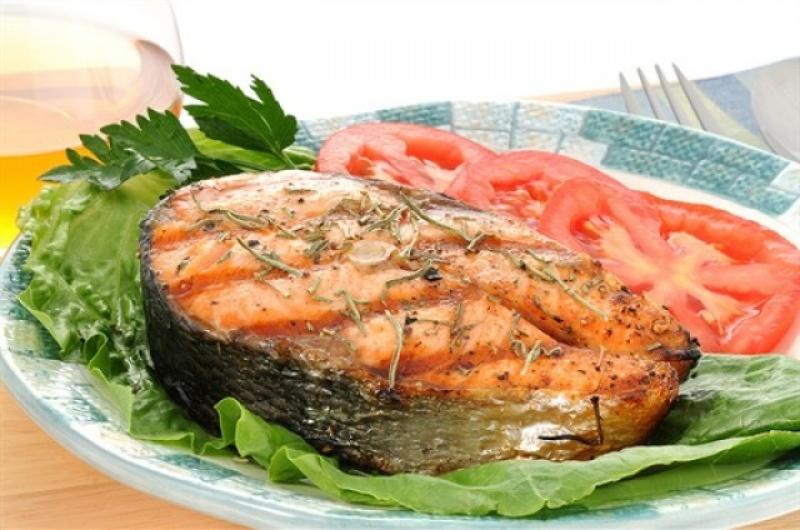 Стейк з червоної риби: на сковороді в духовці, на мангалі