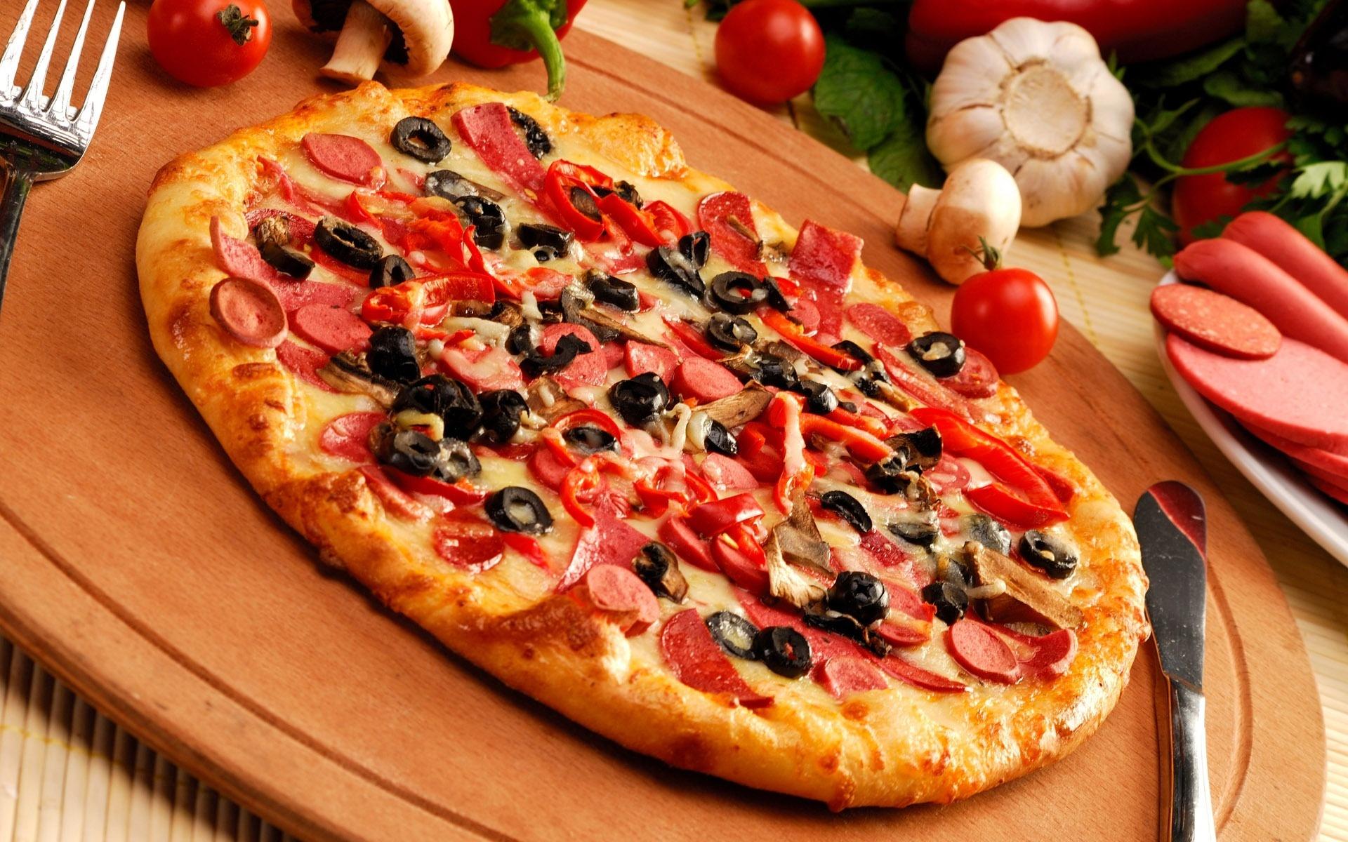 Піца з сосисками по краях: домашні рецепти з фото, начинки