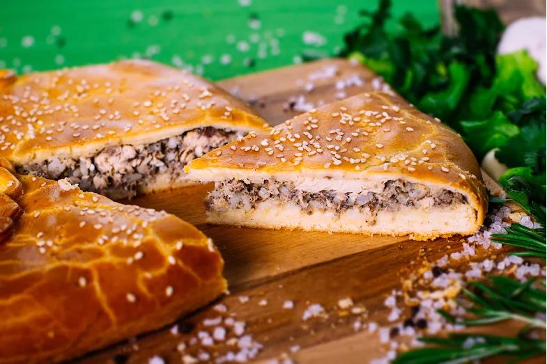 Пиріг з сайрою і рисом в духовці: рецепти з фото покроково