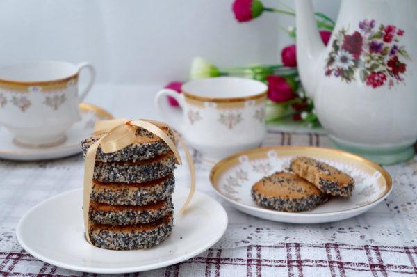 Печиво з маком (пісочне, сирне): рецепти покроково