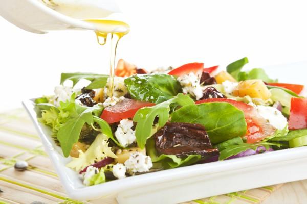 Заправка для овочевого салату (з оцтом, з маслом): рецепти