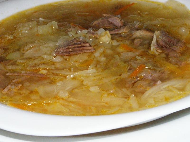 Борщ з квашеною капустою: класичний рецепт, з квасолею