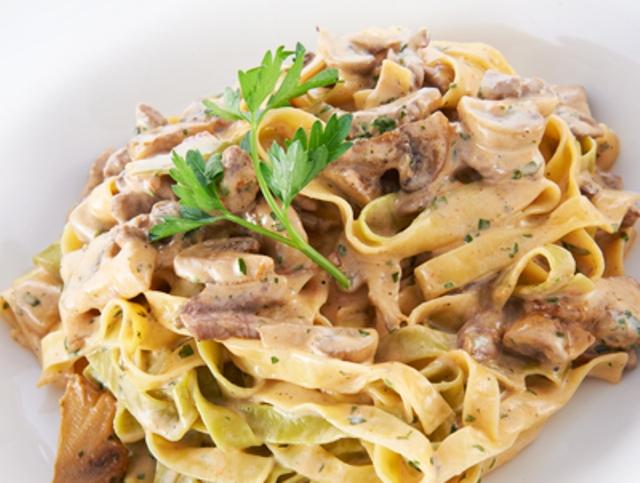 Паста з яловичиною (у вершковому соусі з грибами): рецепти