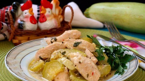 Куряче філе з кабачками: рецепти з фото, калорійність страв