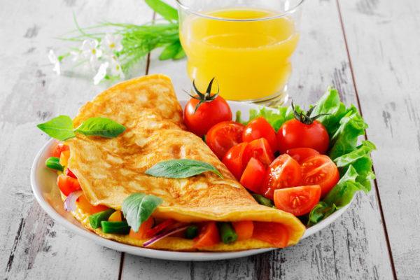 Омлет на сніданок - користь, рецепти з фото, калорійність