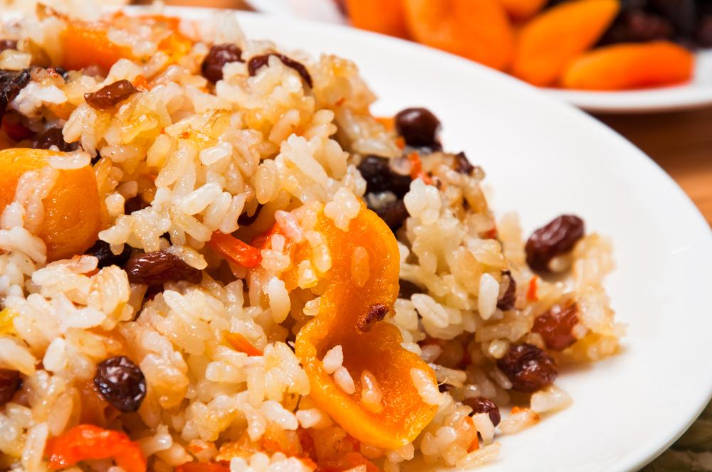 Рисова каша з родзинками (на воді, молочна): рецепти покроково