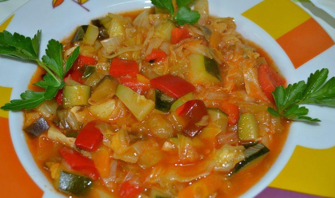 Овочеве рагу з капустою: покрокові рецепти, калорійність