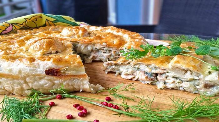 Пиріг з минтаєм (простий, з картоплею, з рисом): рецепти